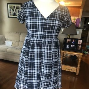 Old navy checkered tee dress